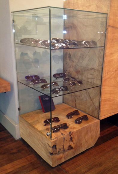 GLASS Sunglass Display Case