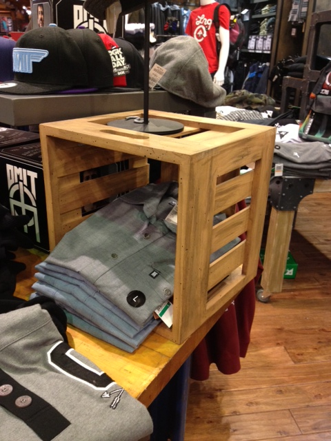 display-crate-pine-wood-quicksilver