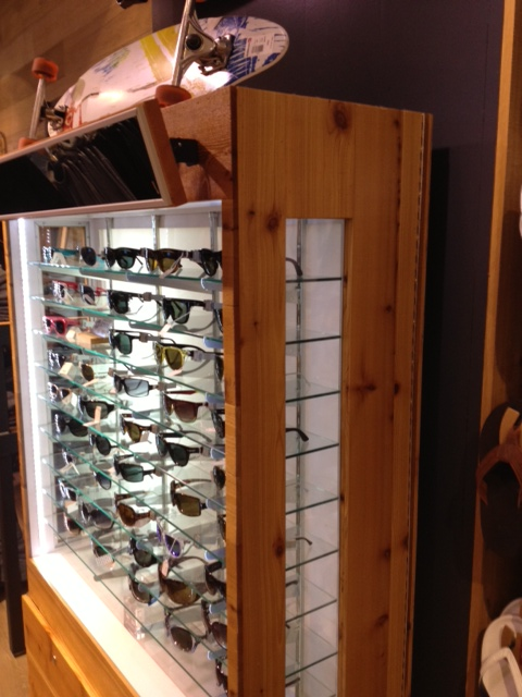 pine-sunglass-display-case-stained