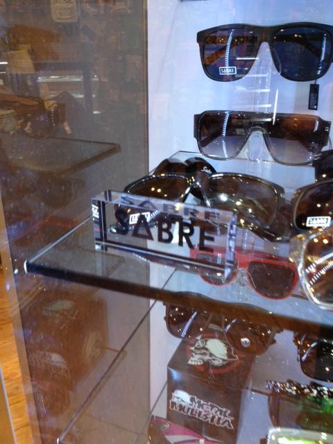 sabre-locking-sunglass-display-case-acrylic