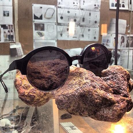 sunglass-display-rock